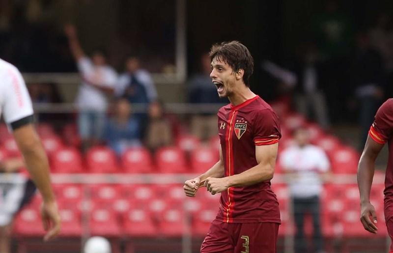 Falta de acerto salarial é barreira para Napoli ter Rodrigo Caio