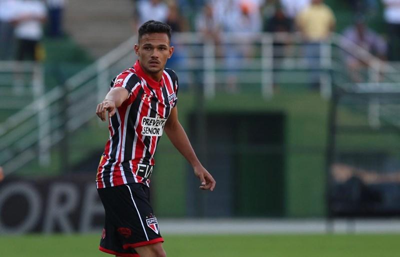 São Paulo define empréstimo de Artur