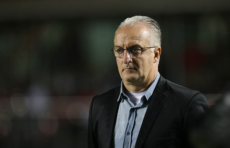 Dorival Júnior deixa o comando técnico do São Paulo