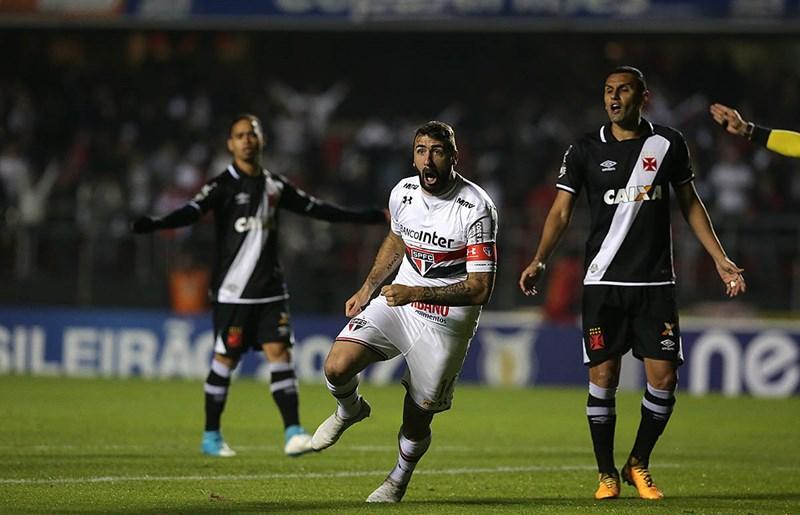 São Paulo defende série positiva diante dos vascaínos
