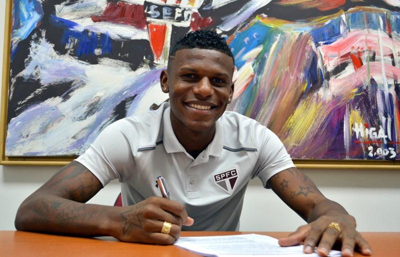 São Paulo prorroga contrato de Arboleda