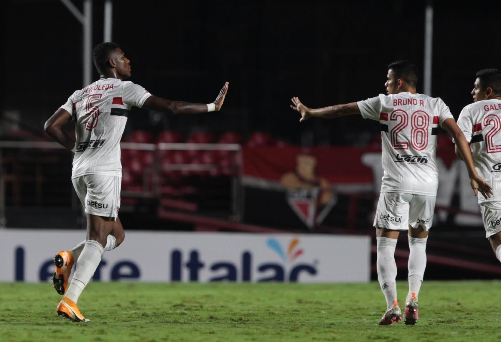 São Paulo empata com o Botafogo-SP na estreia do Paulistão