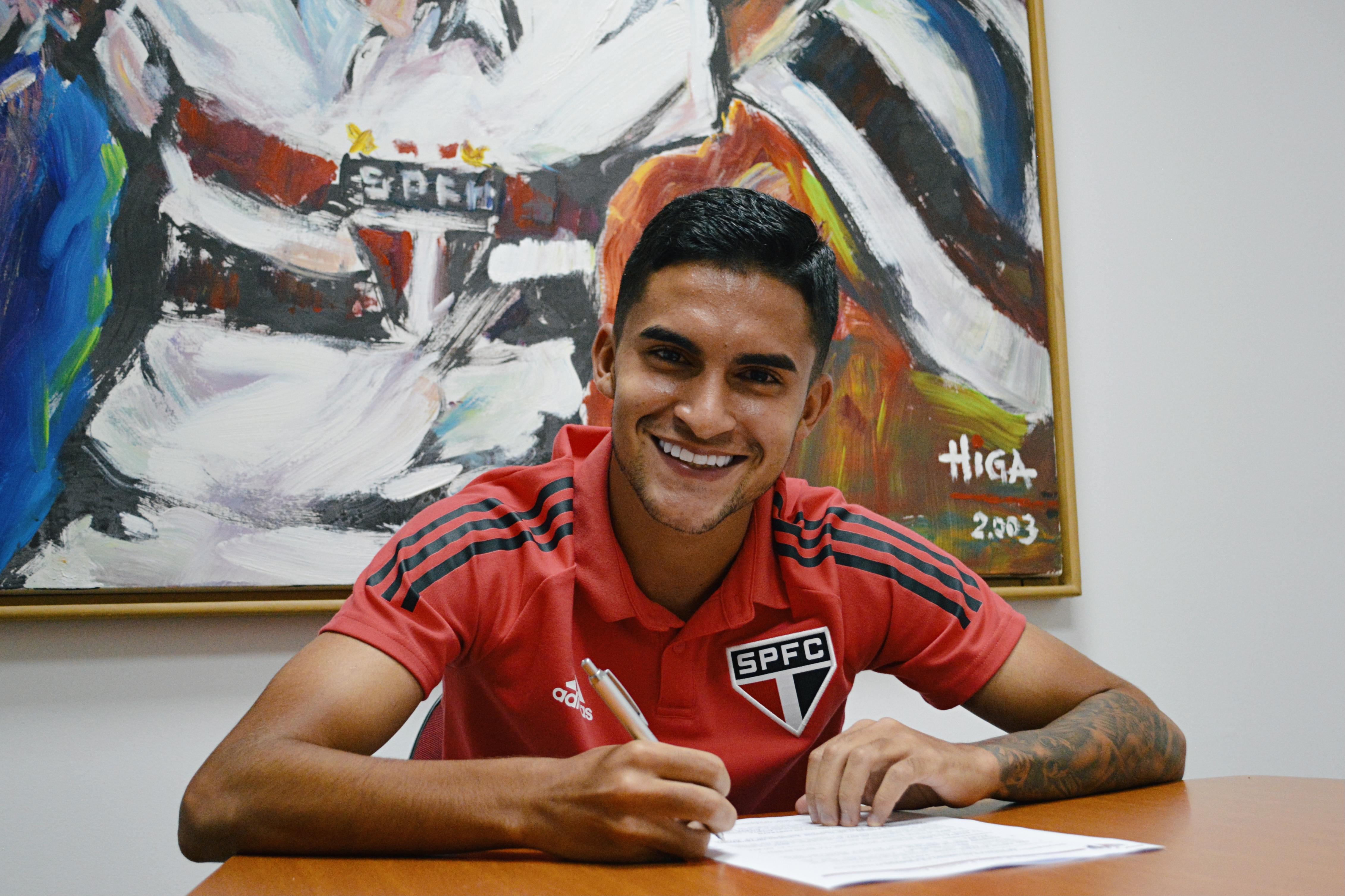 São Paulo renova contrato de Rodrigo Nestor até 2024