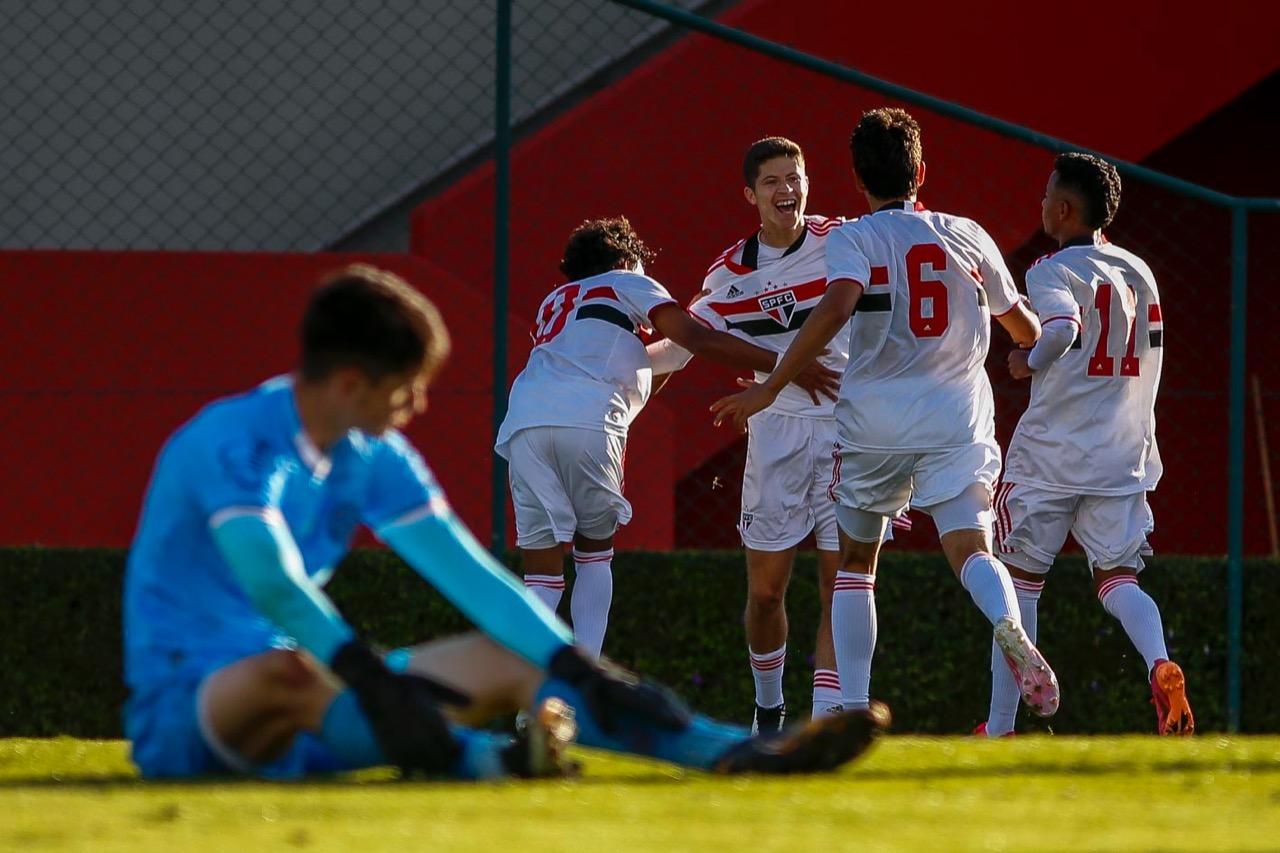 Sub-17 supera o Bahia e sobe à vice-liderança do grupo no Brasileiro